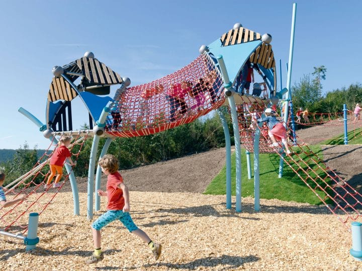 Europe's longest playground – Berliner Seilfabrik – Play equipment for life