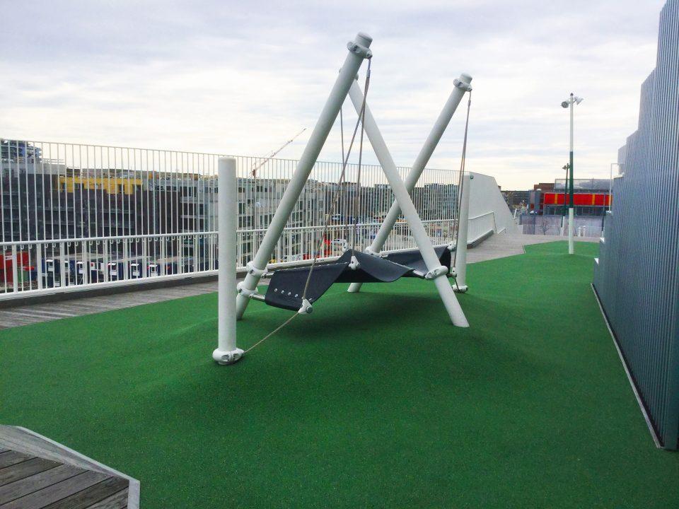 Skulpuraler Dachspielplatz - Berliner Seilfabrik – Spielgeräte fürs Leben