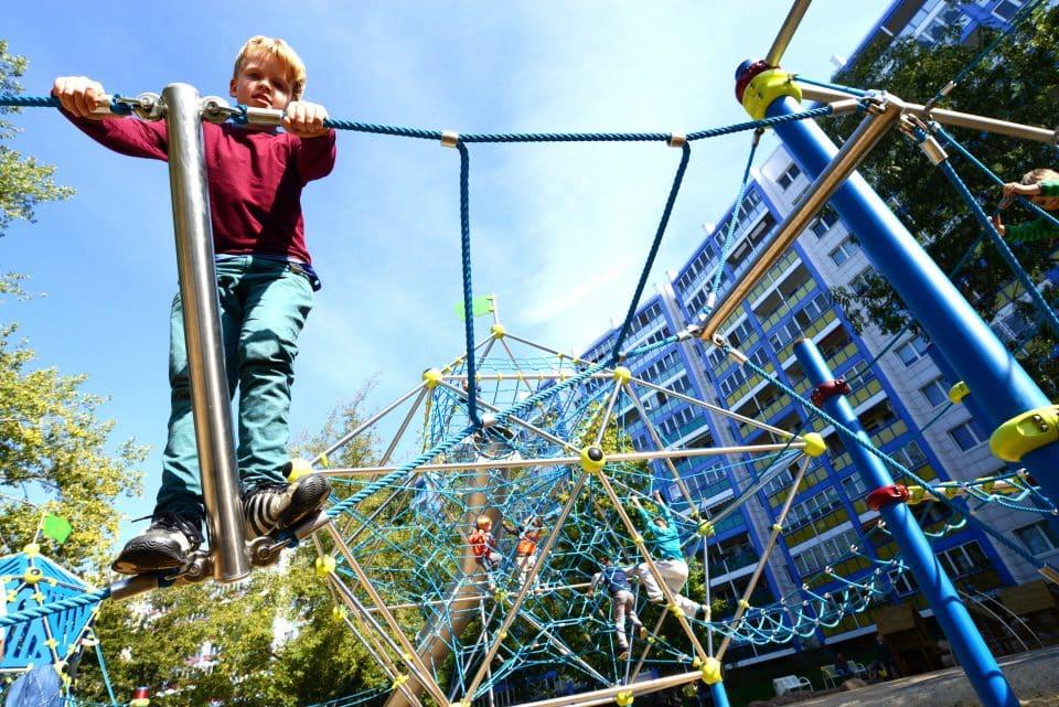 Kletterelement – Terranos – Berliner Seilfabrik – Spielgeräte fürs Leben